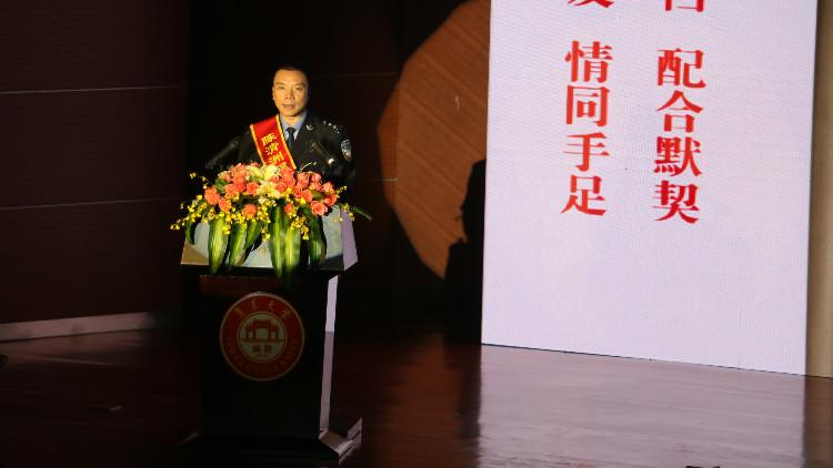 我校师生党员代表参加陈清州同志先进…